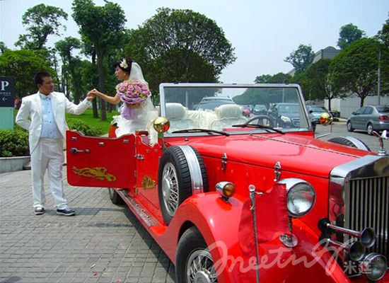 林肯老爷车(红色和白色),加长林肯车9米长(白色,黑色),凯迪拉克轿车